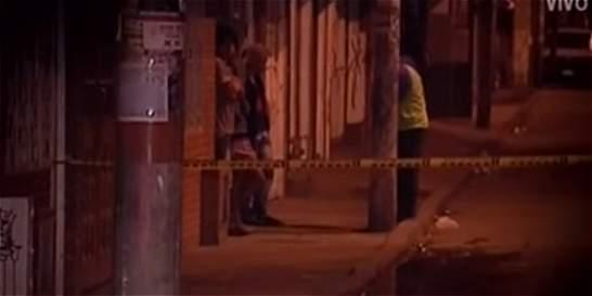 Balacera en Bogotá deja un policía y un presunto delincuente heridos