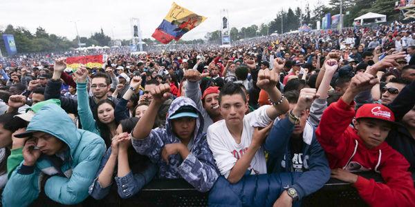Miles de personas acompañaron a los 18 artistas que fueron invitados a la  edición XIX del 911698668de