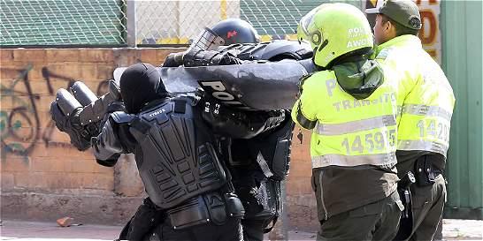 Violentos disturbios en San Andresito de San José, en Bogotá
