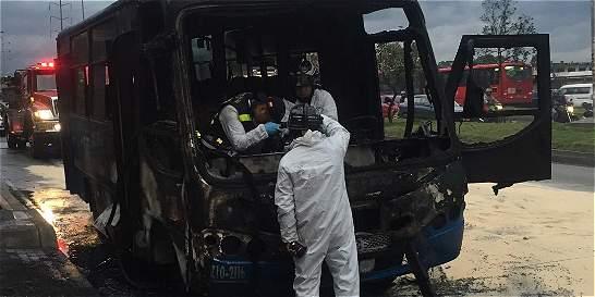 Se incineró bus del SITP
