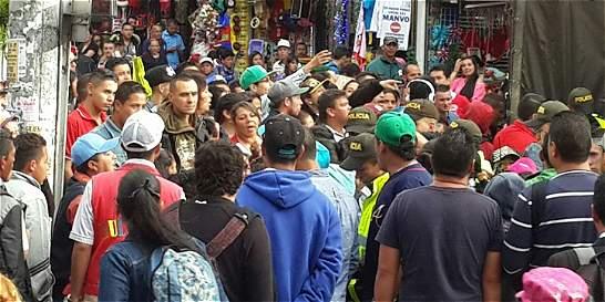 Aumentan enfrentamientos entre policías y ambulantes en San Victorino