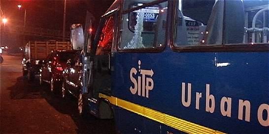 Sancionan a chofer al que robaron bus tras dejarlo por ir al baño