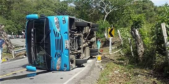 Al menos tres muertos en un accidente de tránsito en Cundinamarca