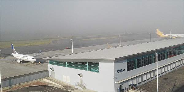 Cerrado el aeropuerto de el dorado bogot eltiempo com for Puerta 6 aeropuerto el dorado