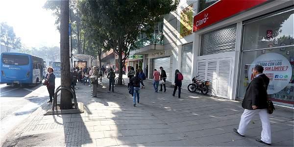 Vendedores ambulantes fueron retirados de la avenida Chile