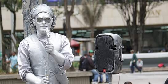 La sorpresa que le dieron al imitador de Carlos Vives en Bogotá