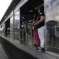 Puertas dañadas, uno de los problemas cotidianos de TransMilenio