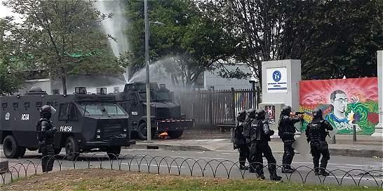 Disturbios en Universidad Pedagógica por alza de TransMilenio