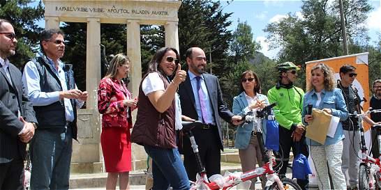 Ciclistas fueron premiados por caravana en el día sin carro