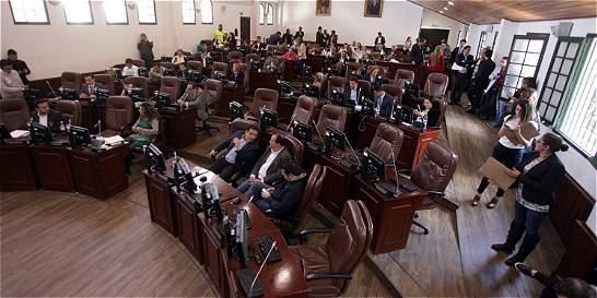 Ya se debate si Bogotá debe vender su participación en Isagén