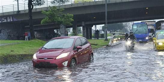 Fuertes lluvias en Bogotá dejan inundados varios puntos de la ciudad