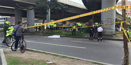 Policía de Usaquén murió en la 127 por adelantar una moto