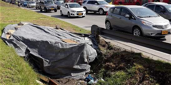 Cambuches y drogas invadieron la autopista Norte, en Bogotá