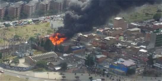 Controlado incendio en fábrica de plásticos en Bogotá