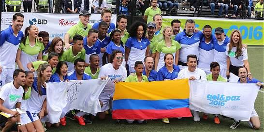 Un partido por la paz se jugó en la Plaza de Bolívar