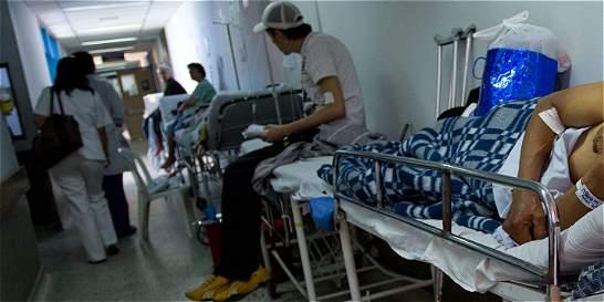Señalan negligencia médica en fallecimiento de mujer embarazada