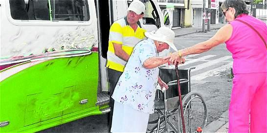 Lecciones urbanas para mejorar la vida de los adultos mayores