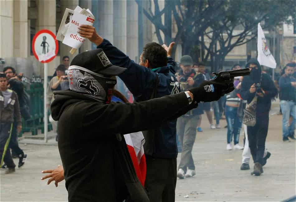 Resultado de imagen para disturbios en colombia 2016