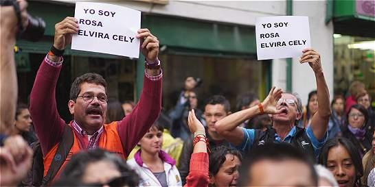 'Si tocan a una, nos tocan a todas': lema del plantón por Rosa Elvira