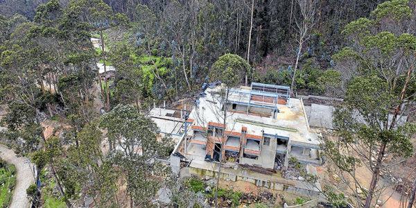 Due os de mansiones en los cerros de bogot bogot for Casa mansion bogota