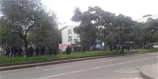 Continúan enfrentamientos entre Esmad y manifestantes de la Pedagógica