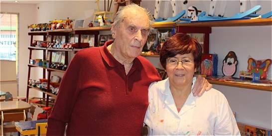 Horst Damme, 86 años creando sueños de madera para los niños