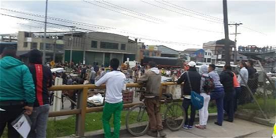 Unos 50 recicladores de Mosquera bloquearon entrada a Bogotá