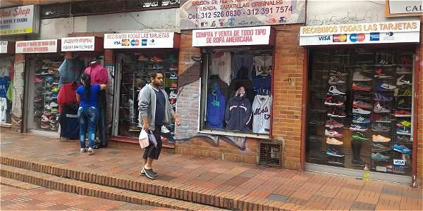 Así funcionan los negocios de ropa usada en Bogotá - Archivo Digital ... fa9d953c121