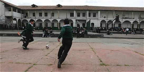 Colegio Agustín Nieto Caballero se libró del asedio del hampa