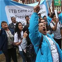 Empleados de la ETB siguen en huelga por despidos en la compañia