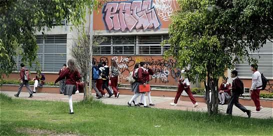 Con extorsiones de 500 hasta 100.000 pesos atormentan a estudiantes
