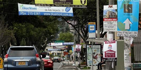 Al día desmontan 83 pendones y pasacalles en Bogotá