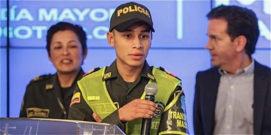 José Loaiza, el auxiliar ejemplar de la Policía en TransMilenio