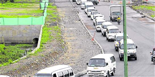 Empiezan multas por pico y placa a carros blancos en Bogotá
