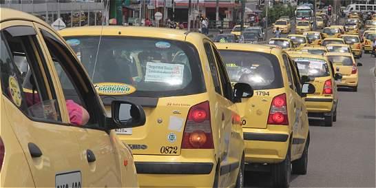Taxistas podrán cobrar $ 500 más en tarifa si reducen accidentalidad