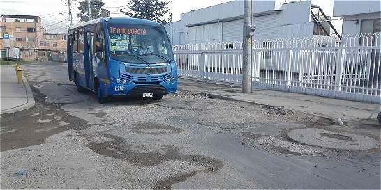 Los buses del SITP deben transitar por trochas