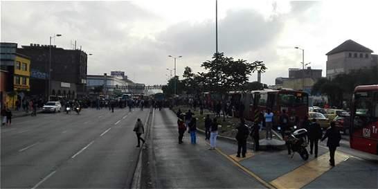 Comerciantes de San Andresito bloquearon la carrera 30