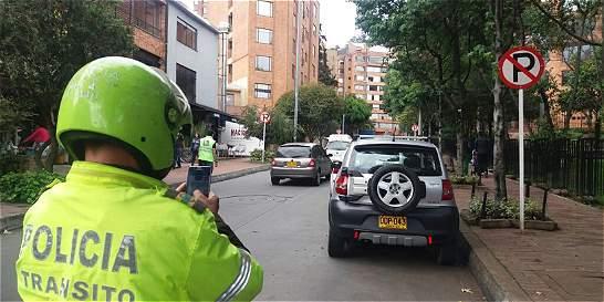 Han multado a 4.855 conductores mal parqueados los sábados en Bogotá