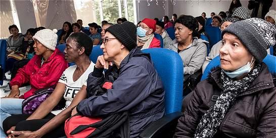 Mujeres con cáncer recuperan su estima gracias a donación de cabello