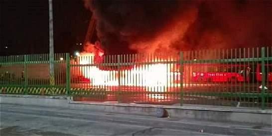 No saben por qué se incendió un bus de TransMilenio
