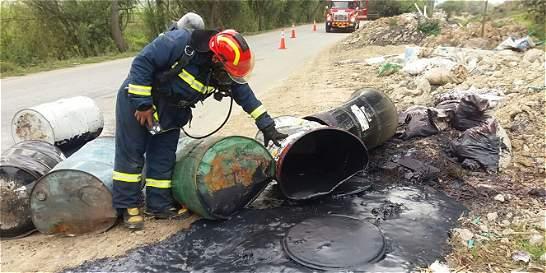 Buscan responsables de derrame de material tóxico en Mosquera y Bojacá