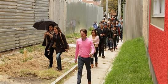 Tras cuatro años, vecinos vuelven a caminar por sendero de la calle 95