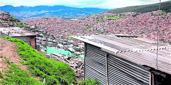 En Ciudad Bolívar siguen invadiendo zona de riesgo