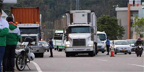 Reducen tiempo de restricción de carga pesada en Chía
