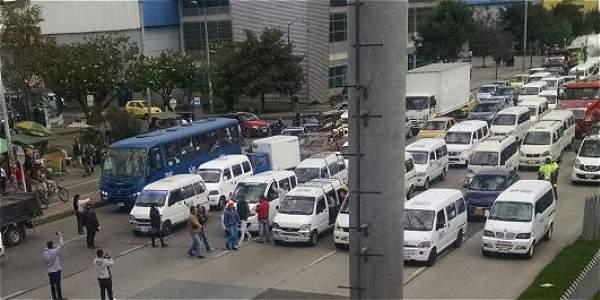 La sombra de Uber llevó a los conductores de vehículos especiales a protestar