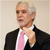 Peñalosa quiere que ciudadanos compren 20 % de acciones de la EEB