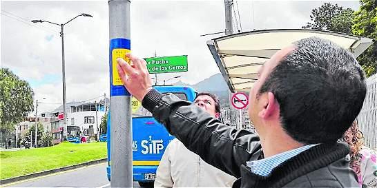 Instalan nuevos avisos en lenguaje braille para el SITP