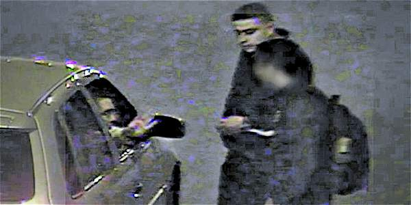Delincuentes se hacen pasar por policías y roban a transeúntes en calle 26