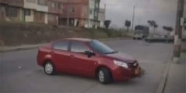 Mientras aprendía a manejar, menor de edad atropelló a tres personas
