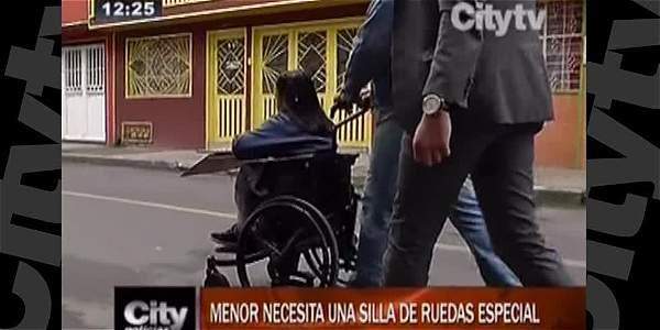 Paula le pide ayuda a la comunidad para comprar una silla de ruedas nueva